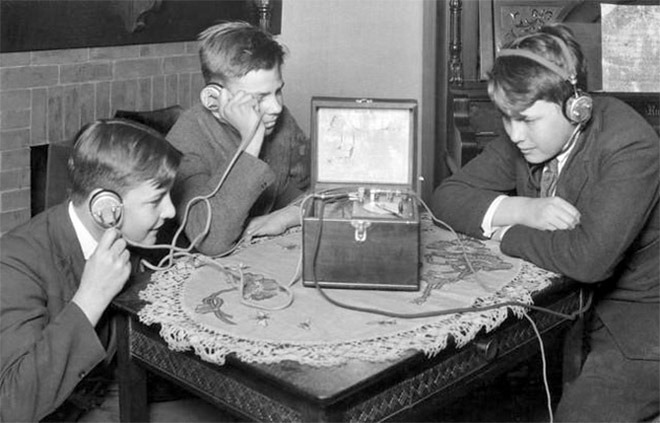 the history of the electronic instruments created during the 1900s to the 1990s Find out more about the history of invention of the pc, including videos, interesting articles, pictures, historical features and more get all the facts on historycom.